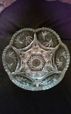Large antique crystal cut glass bowl for Sale in Philadelphia, PA