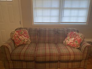 Living room couch for Sale in Tifton, GA
