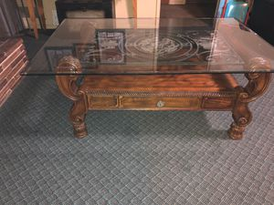 Coffee table for Sale in Orosi, CA