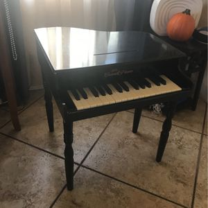 Kids grand piano for Sale in Lynwood, CA