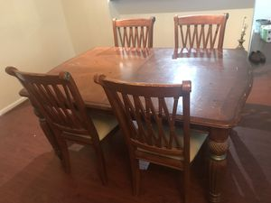 Dining Room Table with 4 Chairs for Sale in West Palm Beach, FL
