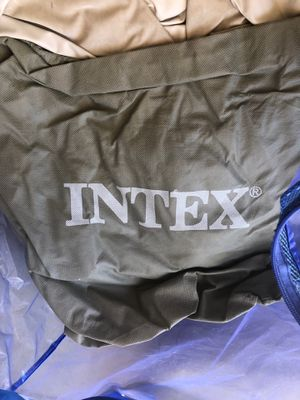 Intex Deep Air Mattress Twin for Sale in Las Vegas, NV