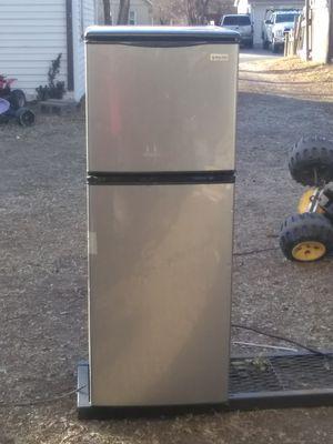 Small refrigerator for Sale in Wichita, KS