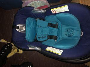 Cybex baby car seat for Sale in Philadelphia, PA