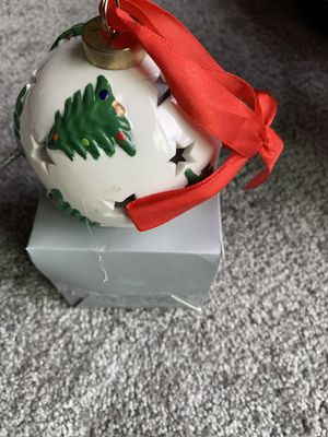 Free ceramic Christmas ornament for Sale in Venetia, PA