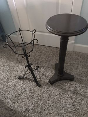 Two plant stands. One metal, one is wooden. for Sale in Ocean Shores, WA