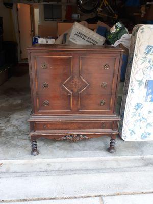 Antique 4 drawer dresser for Sale in Germantown, MD