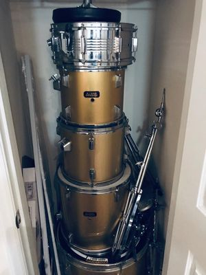 Sound Percussion Gold Drum Set for Sale in Raleigh, NC