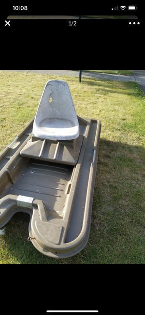 Small fiberglass pontoon boat w/Optional seat. Small bass boat for Sale in Auburn, WA
