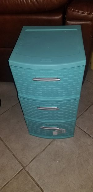 3 plastic drawers for Sale in Hollywood, FL