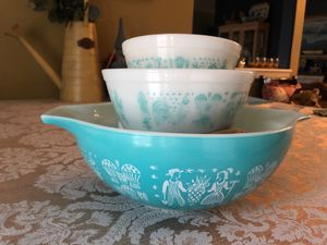 Pyrex teal blue / white 2 / 20 / 6 Amish butter print aqua Cinderella bowl +2 mixing bowls nesting mixing bowls for Sale in Wildomar, CA
