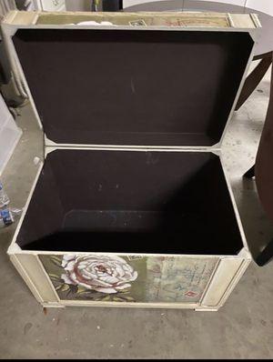 BEAUTIFUL ANTIQUE STORAGE BOX/CHEST!! for Sale in Manteca, CA
