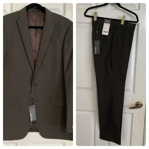 Kenneth Cole Men's Suit for Sale in Hollywood, FL