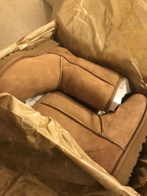 Brand new chestnut uggs size 7 for Sale in New York, NY