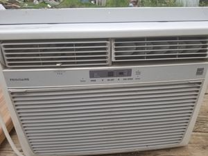 Fridgidaire 15'100 a/c unit for Sale in Redfield, AR