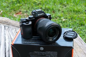 Sony Alpha a7 Mirrorless Digital Camera with FE 28-70mm f/3.5-5.6 OSS Lens for Sale in Phoenix, AZ