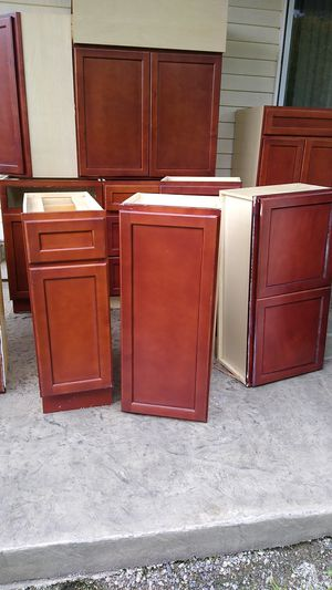 Kitchen cabinets for Sale in Sumner, WA