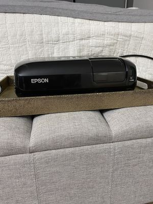 Epson projector H284a for Sale in San Diego, CA