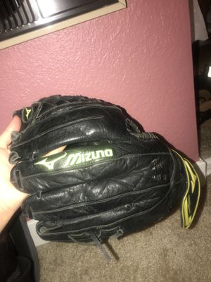 Mizuna 12Inch Left Hand Softball Glove for Sale in Castro Valley, CA