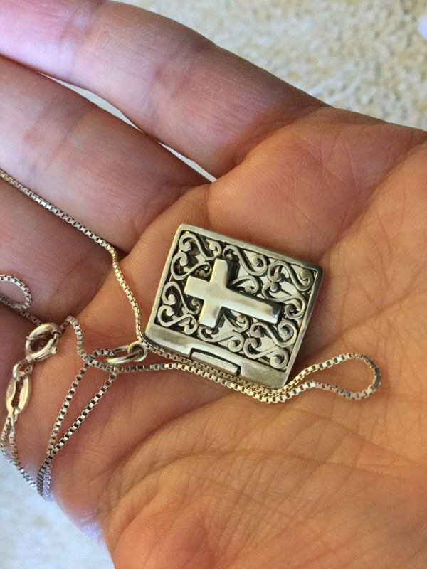 Sterling Silver Jewelry / Bible Book 📚 📕❤️Silver necklace / Opens like a book