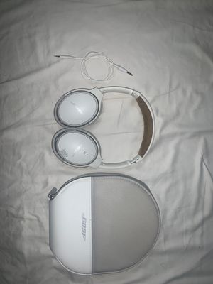 Bose Sound link around ear headphones for Sale in Biscayne Park, FL