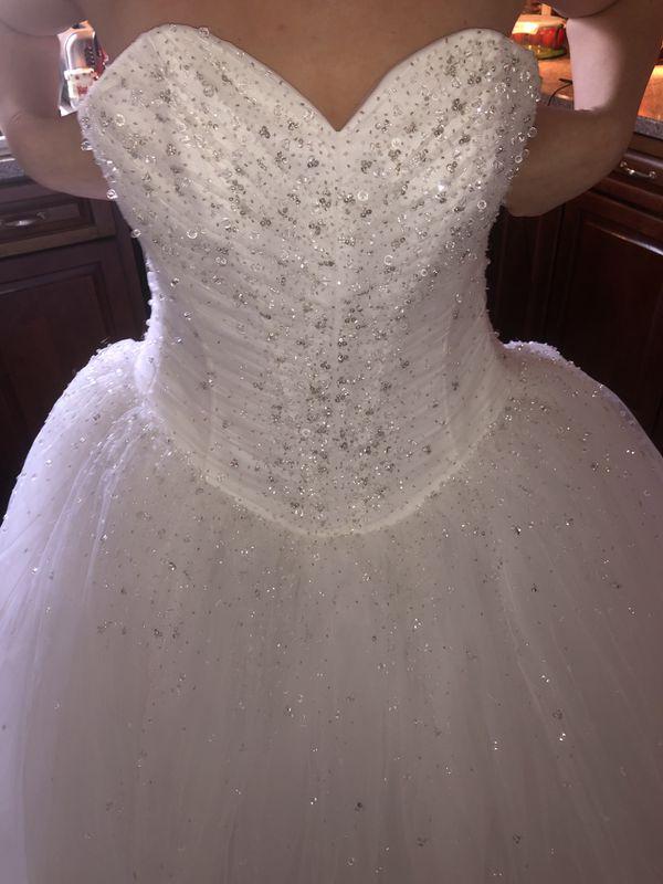 Demetrios Style 937 White Wedding Dress/ Size 6
