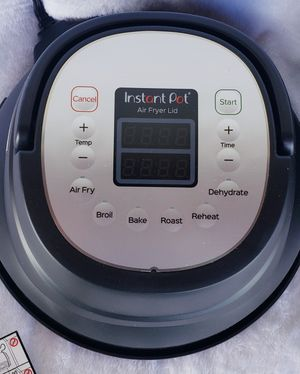 Instant Pot Air Fryer Lid & Egg Cooker for Sale in Miami, FL