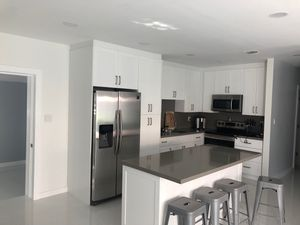 Kitchen cabinets !! for Sale in North Miami Beach, FL