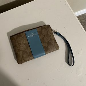 Coach wallet new never been used excellent condition for Sale in Kent, WA