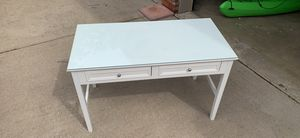 White Desk for Sale in Dunlap, IL