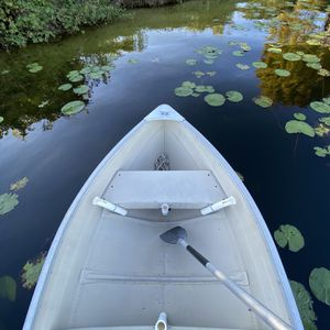 Mirrocraft 12 ft aluminum fishing boat with accessories for Sale in Apopka, FL
