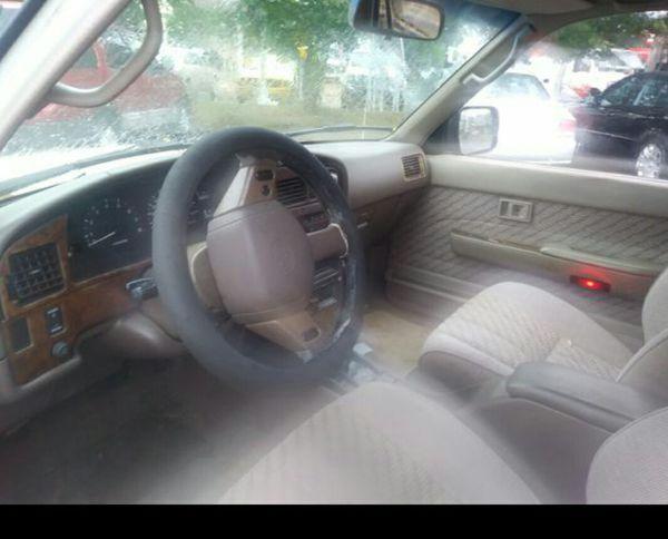 1995 Toyota 4RUNNER 4X4 ,4 Doors Auto , 172 K miles