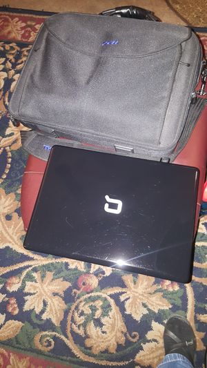 COMPAQ COMPUTER W/CANVAS CARRING CASE I AM SELLING FOR PARTS AS-IS. for Sale in Irving, TX