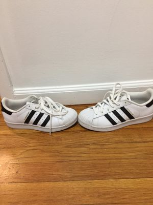 Classic Adidas Boys 5 or Women 7 for Sale in Jersey City, NJ