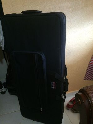 Cases luggage DJ soundboard case for Sale in Miami, FL