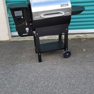 """Camp Chef 24"""" Wifi Pellet Grill for Sale in East Point, GA"""