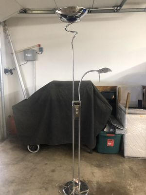 Chrome Floor Lamp for Sale in Duncanville, TX