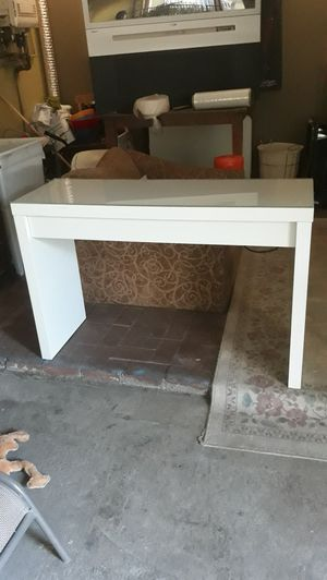 Malm IKEA desk with glass top for Sale in Bell, CA