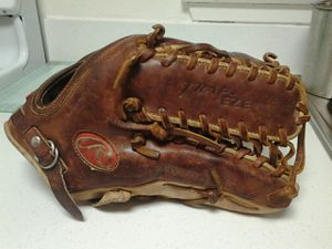 Rawlings glove for Sale in San Diego, CA
