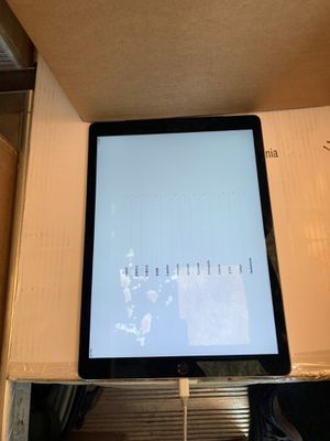 Ipad (pick up only) 300 for Sale in Hyattsville, MD