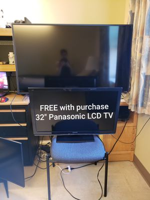 """4K HDR VIZIO 55"""" Smart XLED TV + FREE 32"""" LCD TV for Sale in DuPont, WA"""