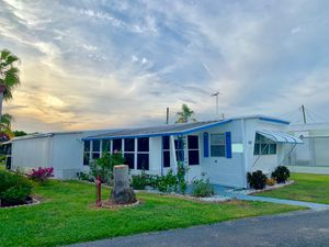 2 Bedroom 1 Bath Mobile Home 55 + Community for Sale in Sebring, FL