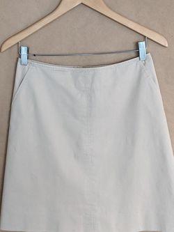 Banana Republic Tan Skirt Size 2 Petite for Sale in Dunedin,  FL