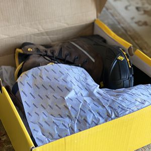 Mens Snow Boots size 10 Usa Size 44 EUR, Composite Toe Box Similar To Steel Toe for Sale in Anacortes, WA