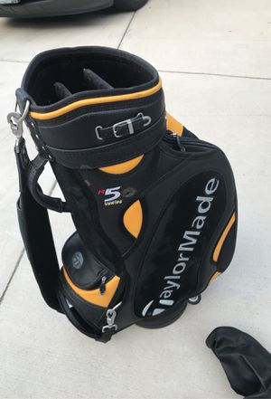 Taylormade R5 series golf cart bag with raincover for Sale in Tinley Park, IL
