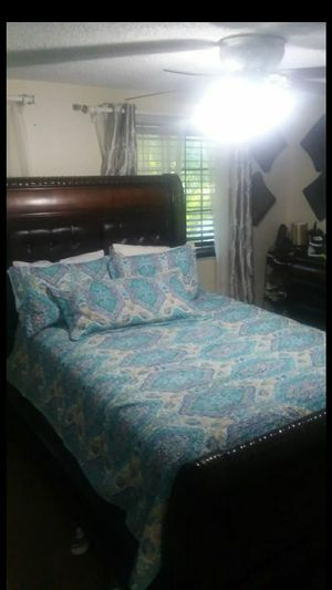Queen bed frame and box spring for Sale in Naples, FL