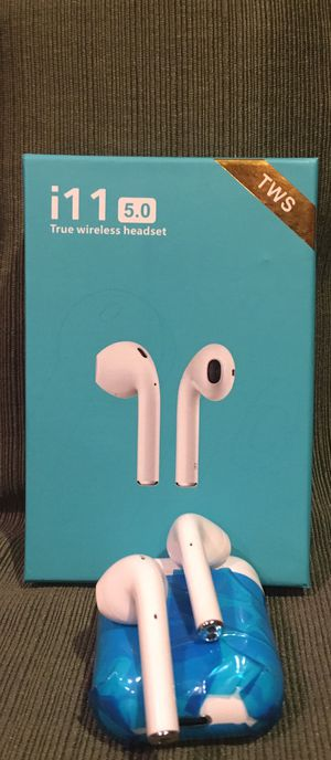Model i11 Bluetooth headset/earbuds/headphones/allot of styles to choose from/compatible with any phone/new in box for Sale in Moreno Valley, CA