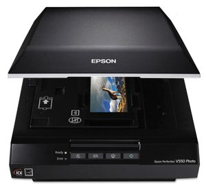 Epson Perfection V550 Photo Color Scanner, 6400 x 6400 dpi for Sale in Los Angeles, CA