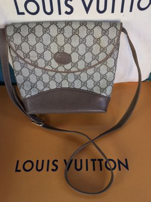 Authentic Vintage Gucci Crossbody Bag $150.00 for Sale in Glendale, AZ