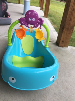 Fisher price baby bath tub for Sale in Apex, NC
